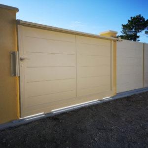 clôture béton imitation bois avec portai