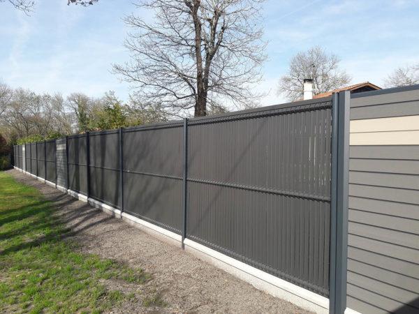 clôture mixte-panneau rigide+composite bois